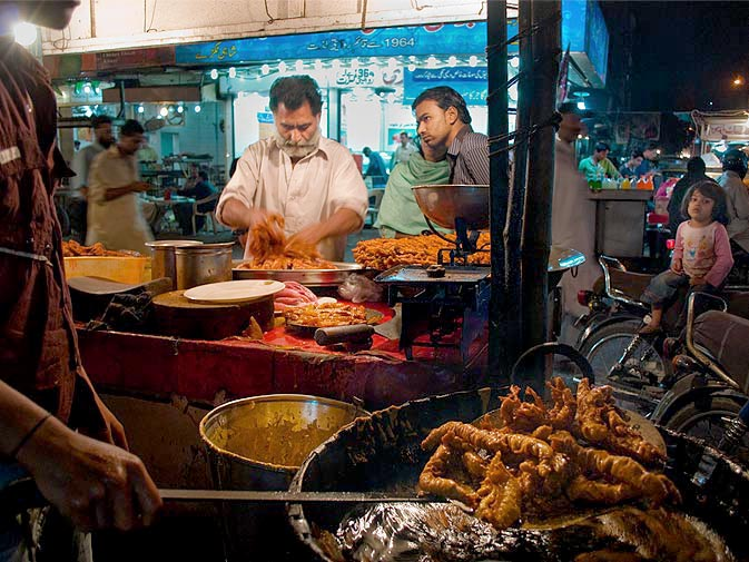 fish-fry-at-burns-road-karachi