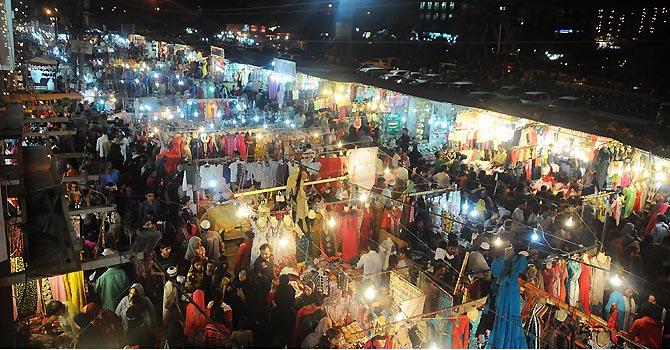 karachi-hyderi-market-online-670