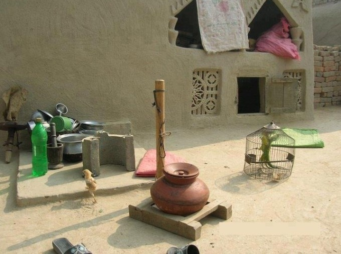 photos-of-pakistani-villages-a-typical-kitchen-in-the-compound-of-a-house-in-a-village-pictures-of-pakistani-villages-pakistani-village-life