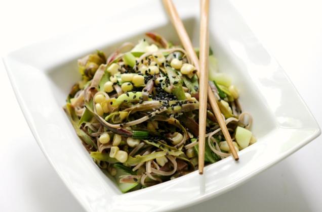 shaved-purple-asparagus-asian-vegetable-soba-noodles-4