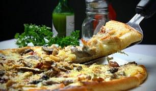 pizza-329523__180